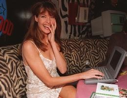 BabeStop - World's Largest Babe Site - carol_alt030.jpg